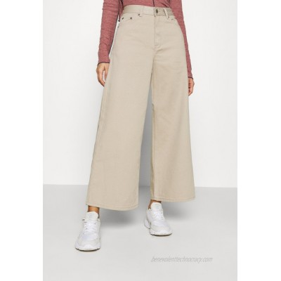 Dr.Denim AIKO CROPPED Relaxed fit jeans cashew/offwhite