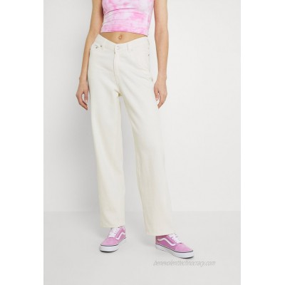 Weekday LARA WAIST TROUSERS Relaxed fit jeans white